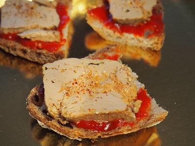 Foie gras sur Délice de piment doux Bipertegia